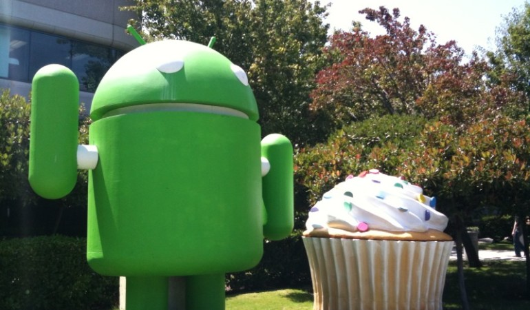 Android Malware Impersonates Google Play, WhatsApp