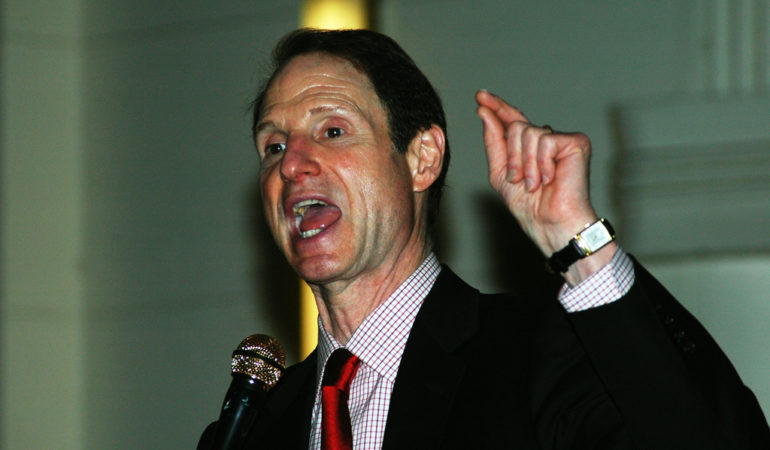 Wyden Steps In to Halt FBI Surveillance Expansion